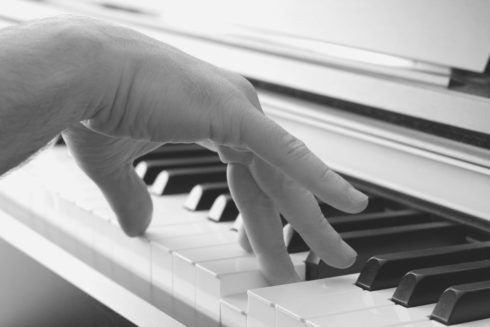 Proper Hand Position for Piano Lessons