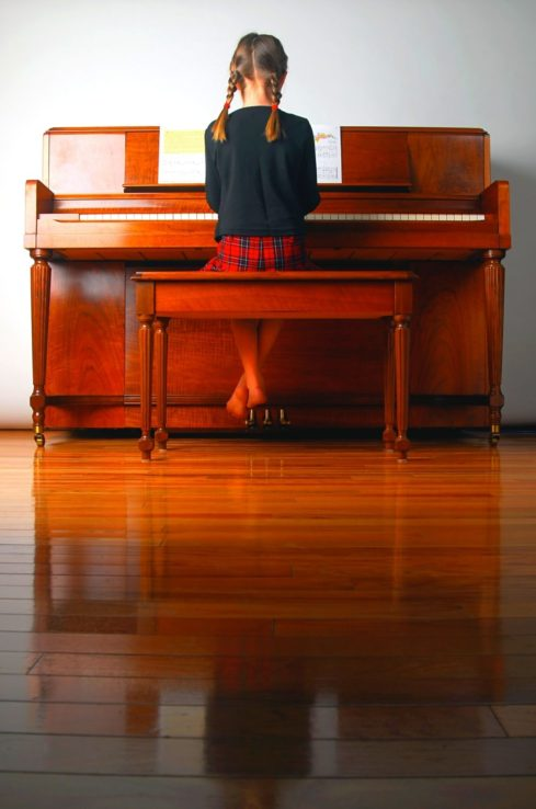 10 Free Beginner Piano Lessons